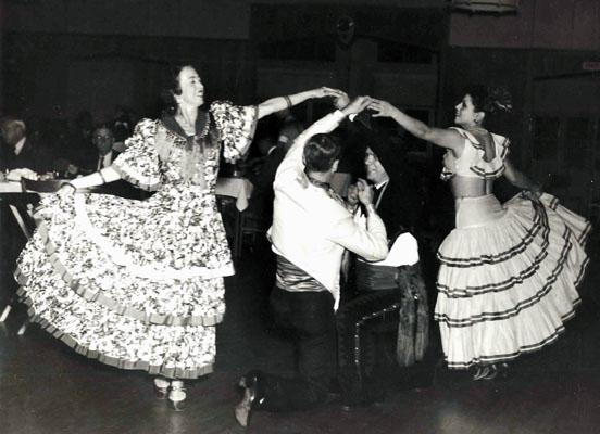 Gabriel Ruiz Dancers. Fages collection.